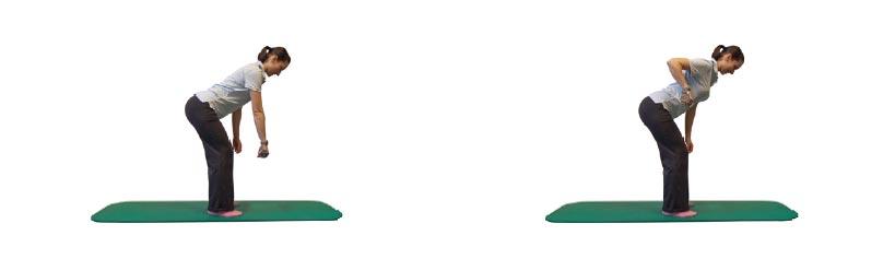 Einarmiges Rudern im hüftbreiten Stand mit Zusatzlast